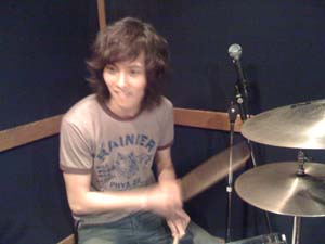 Jong Hyun on drums